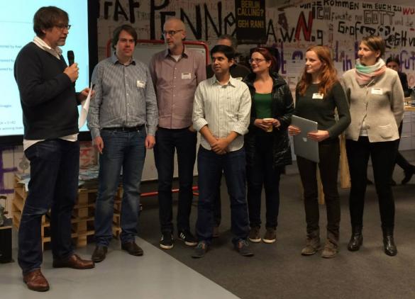 """Sieger beim Axel-Springer-API-Preis. Team """"Stories From Above"""" beim MediaHackday."""