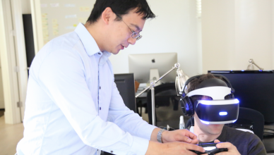 Vrideo`s Kuangwei Hwang with Playstation VR.